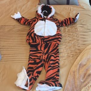 Old navy toddler tiger costume 2 pieces